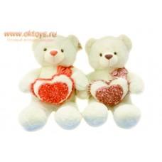 Медведь с бантом и с сердцем в цветах