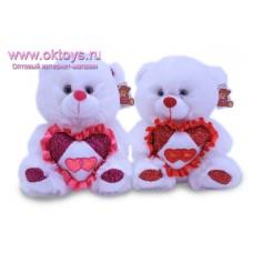 Медведь с блестящим сердечком - музыкальная игрушка