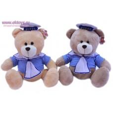 Медведь в костюме моряка
