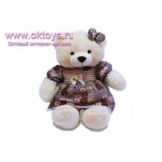 Медведица в платье с бантиком