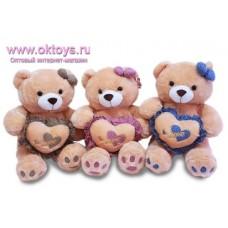 Медведь с сердечком и с бантиком на ушке