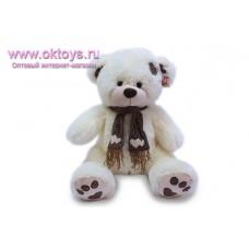 Медведь в шарфе с сердечками