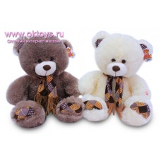 Медведь в шарфе из лоскутов