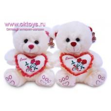 Медведь и сердечко с вышитыми розами - музыкальная игрушка