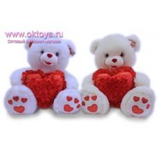 Медведь с сердцем в цветах