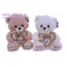 Медведь с бантиком на сердце
