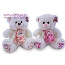 Медведь в розовом шарфе с сердечками