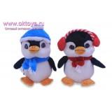 Пингвины на севере в шарфе и шапочке