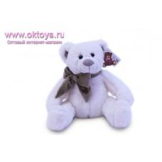Белый медведь Семен с коричневым бантом