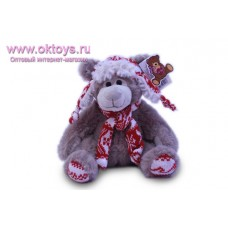 Медведь Семен в красной шапке и шарфе