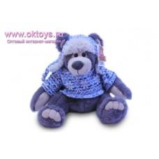Медведь Семен в вязанном свитере и шапке-ушанке